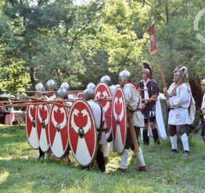 150 древни воини завладяват центъра на Пловдив и превръщат Римския стадион в арена за гладиаторски битки