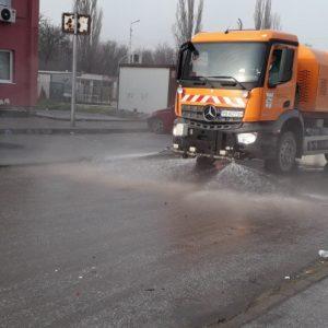 """5 000 хиляди тона боклук извозени от сметищата в """"Столипиново"""". Разчиства се и коритото на р. Марица като част от мерките за борба с разпространението на епидемията"""