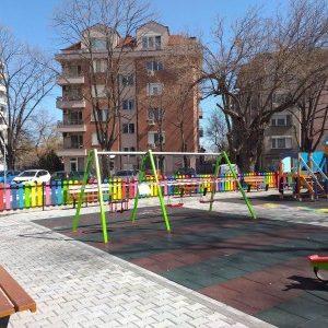 """""""Градини и паркове"""": Родители, спазвайте препоръките за безопасност, не водете децата си на площадките"""