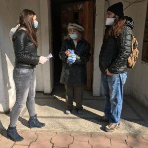 "Кметът на ""Централен"" Георги Стаменов раздаде предпазни маски на домоуправители и хронично болни"
