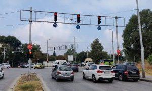 """Облекчават десния завой от бул. """"Дунав"""" към изхода на Пловдив"""