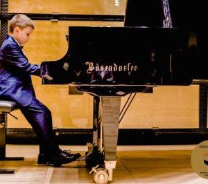 Талантливото дете Борис Дюлгеров отново ни зарадва!
