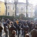 Фенове на Ботев протестираха пред посолството на Гърция в София