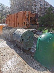 Дезинфекцират повторно 4100 контейнера за смет