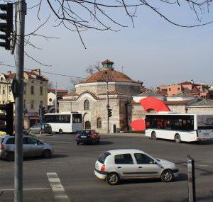 Затварят за движение централно кръстовище, 18 автобусни линии с нови маршрути