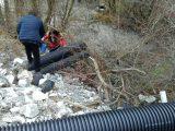Полицията задържа две длъжностни лица, допуснали замърсяване на реките Юговска и Чая